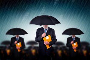 האם חלה חובה על מבוטח להודיע לחברת הביטוח על סכסוך משפטי