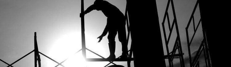 """תמונת נושא עבור 5.4 מליון ש""""ח פיצויים לעובד שנפל מגג בגובה של 12 מטר"""