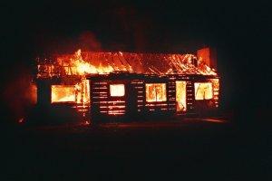 """המשק עלה באש, """"הראל"""" תפצה ב-281 אלף ש""""ח בגין הנזק הכבד"""