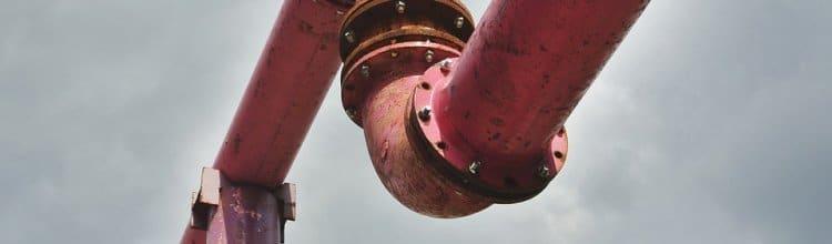 """תמונת נושא עבור צינור מתכת נפל על ידו של העובד ויפוצה בכ- 590 אלף ש""""ח"""