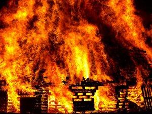 """שריפה פרצה במחסן עסק וחברת הביטוח תפצה ב 4.6 מיליון ש""""ח"""