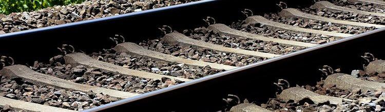"""תמונת נושא עבור המבוטחת התאבדה על פסי הרכבת, ביטוח החיים ישלם כ-377 אלף ש""""ח"""