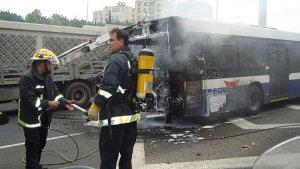 """תאונת דרכים: למעלה מ-11 מיליון ש""""ח לילדה שנפגעה קשות באוטובוס בוער"""