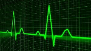"""פוליסת ביטוח חיים: מבוטח שלקה בהתקף לב יפוצה בכ- 156 אלף ש""""ח"""