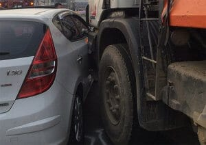 חברת הביטוח תפצה עקרת בית שנפגעה בתאונת דרכים