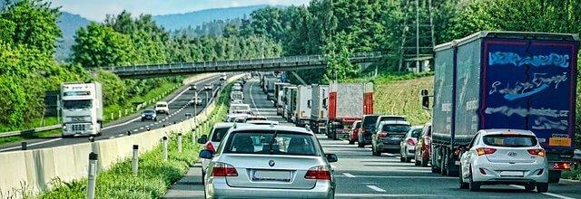 """תמונת נושא עבור תאונת דרכים: 100 אלף ש""""ח עקב נפילה תוך יציאה מהרכב"""
