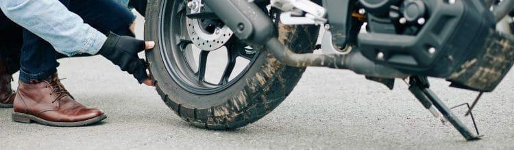תמונת נושא עבור מתי תיקון דרך באופנוע מהווה תאונת דרכים המקנה זכות לפיצויים?