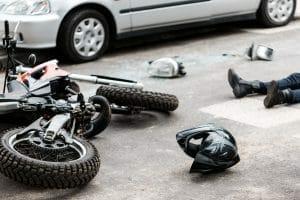 """פיצוי לנהג אופנוע שרישיונו נשלל מחמת מגבלה מכוח חוק ההוצל""""פ"""